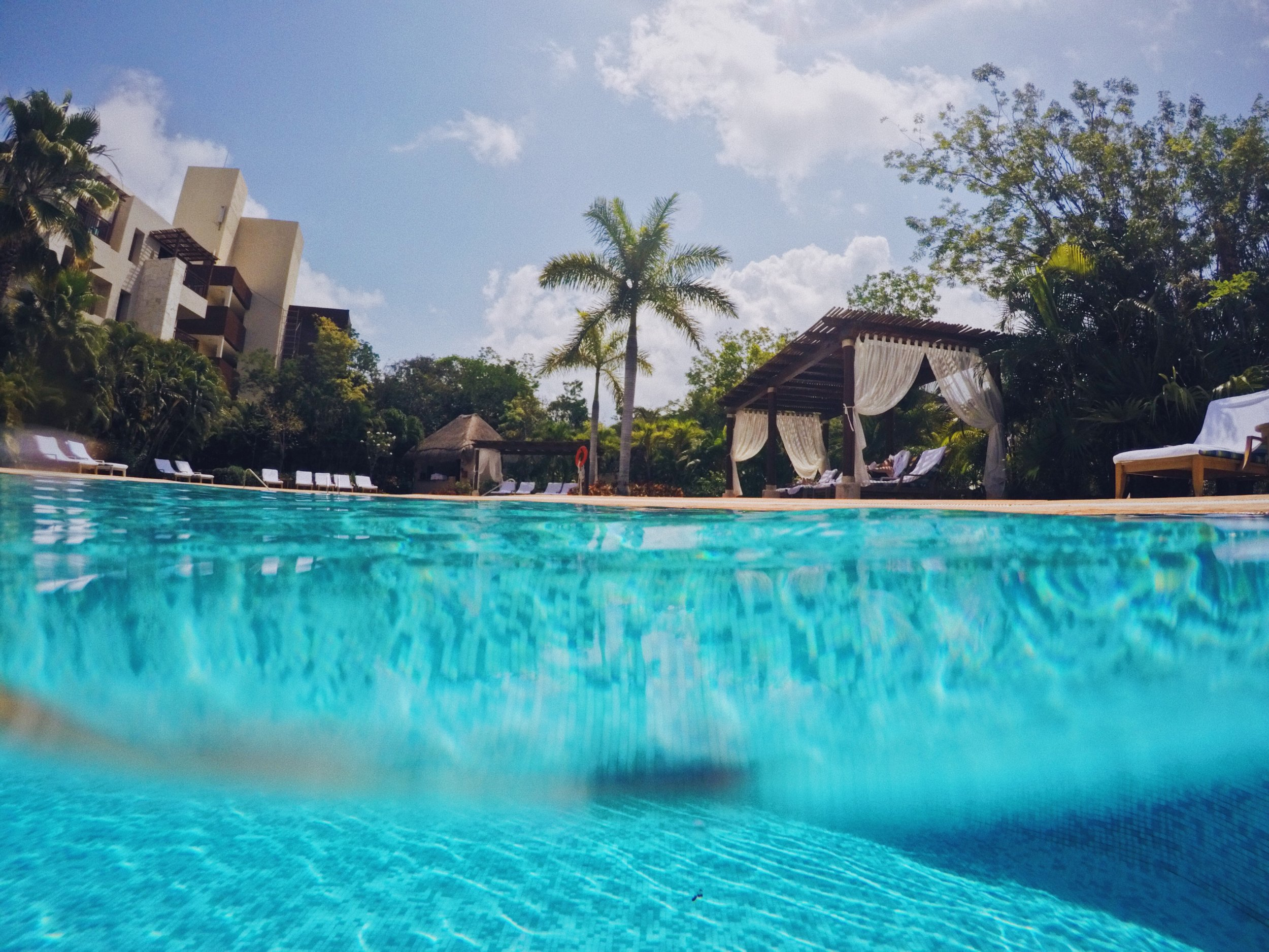 My trip to Fairmont Mayakoba Resort in Mexico | a review of my stay at this 5-star luxury resort in riviera maya mexico. #TravelGuide #omandthecity #FairmontMayakoba #MexicoResort