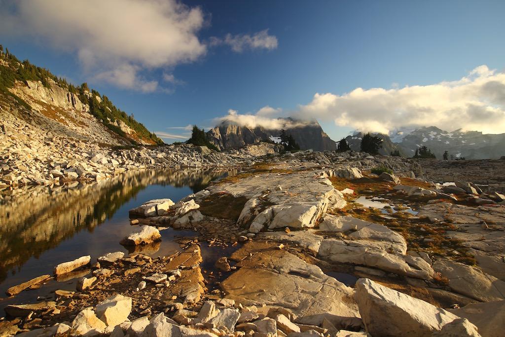 hike & CAMP -