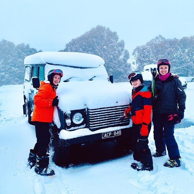 Whilst Doc is baking in 30+ degree heat over in The Kimberley 🌞, 'Drover' got a dusting over the weekend at Mount Buller 🥶❄️👍🏻. There is no place like Australia ❤️. . #australia #snow #sunshine #winter #mountbuller #skiing #snowboarding #landroverdefender #defender #alpine #snowing #adventure #holiday #beauty #melbournetours #family