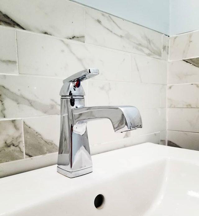 Sneak peak! 👀  Final 📸 coming soon 🛁 . . . . #faucet #bathroom #bathroomrenovation #renovation #residentialrenovation #residential #tiles #tilebar #deltafaucet #delta #diemdesignss