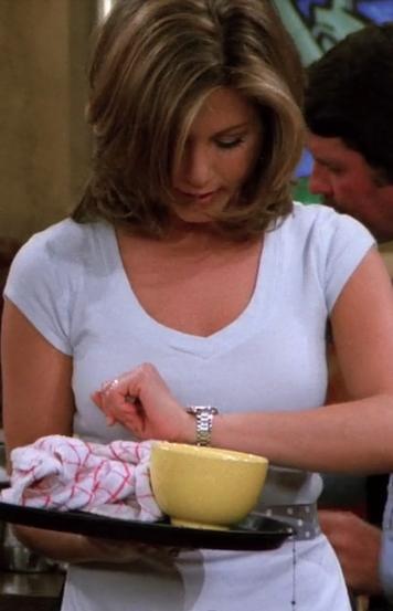 S02E07-rachel-necklace.png
