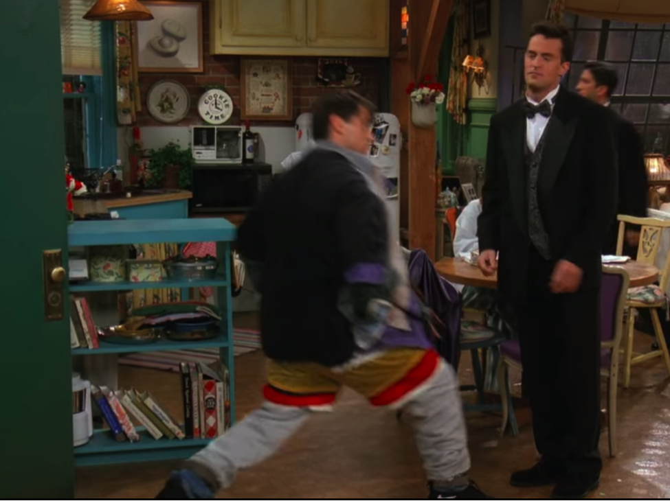 S03E02-lunges.png