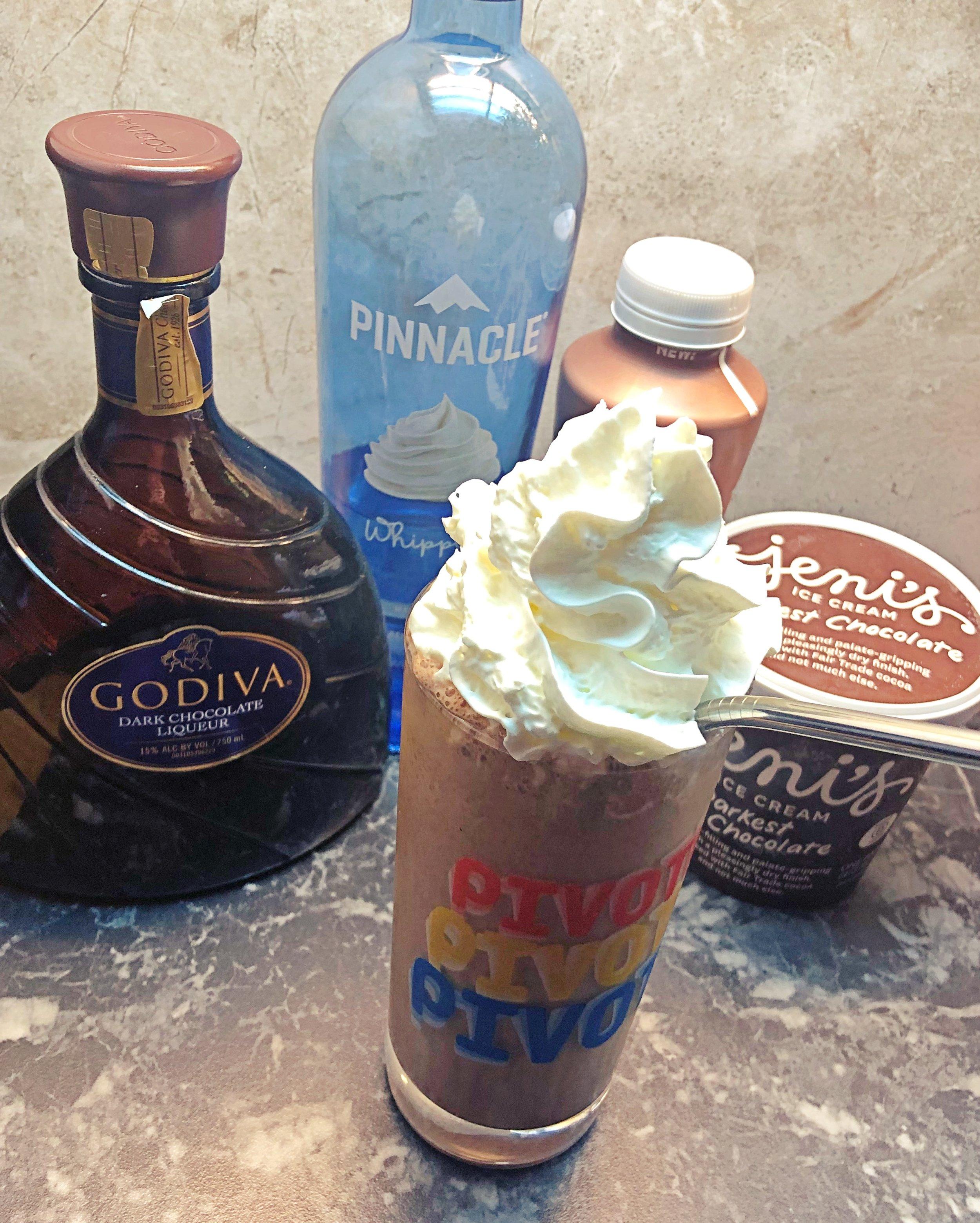 Elizabeth's Flingin' Flangin' Milkshake / Handbag Marinara / @handbagmarinara