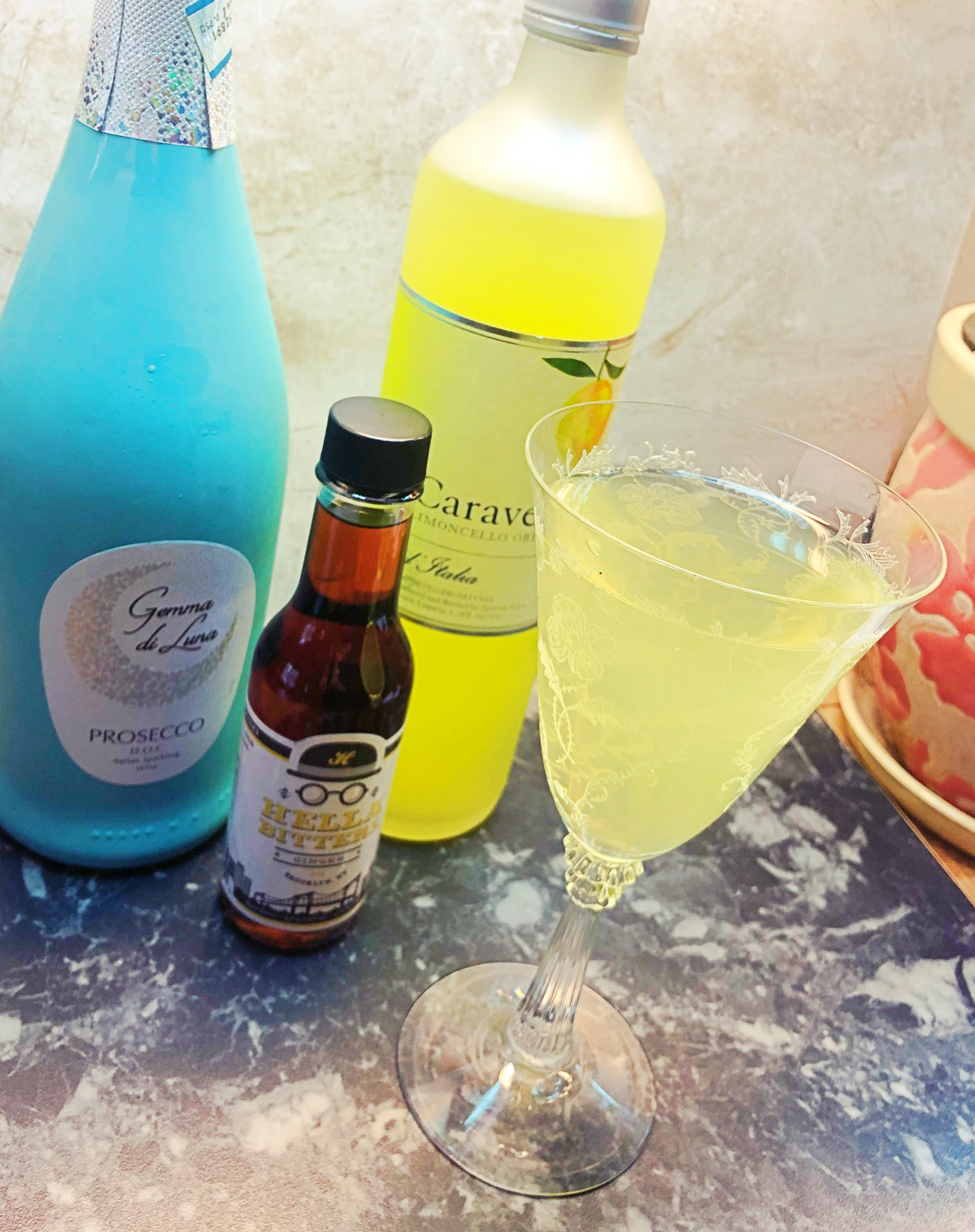 The Isabella Ross Bellini — prosecco, limoncello, and ginger bitters / Handbag Marinara / @handbagmarinara