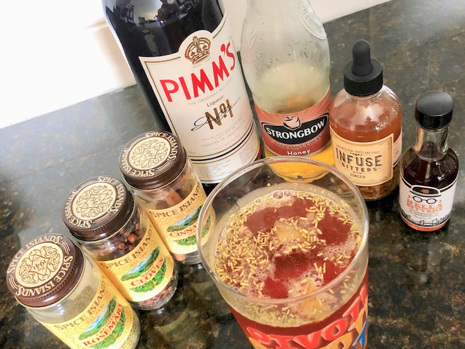 The Geller Cup — a Pimm's Cup with a Thanksgiving twist! / Handbag Marinara: A FRIENDS Podcast / @handbagmarinara