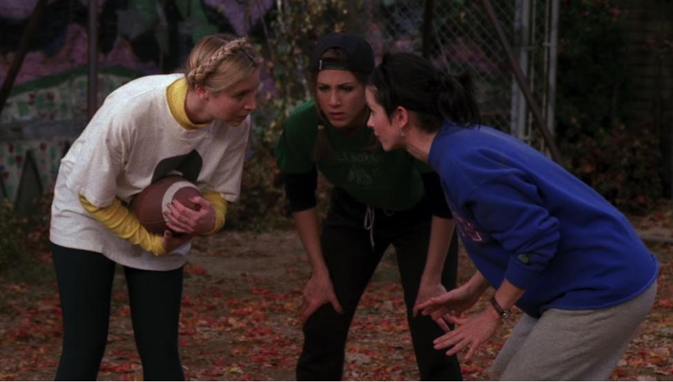 S03E09-girls-huddle.png