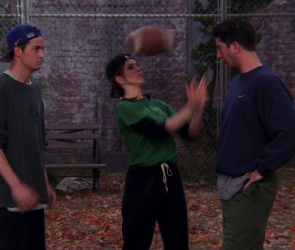 S03E09-football-bounce.png