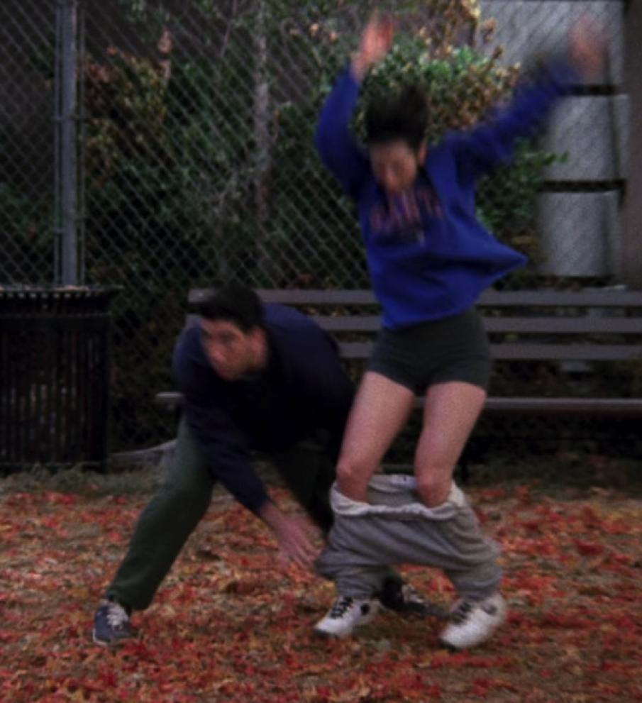 S03E09-pantsing.png