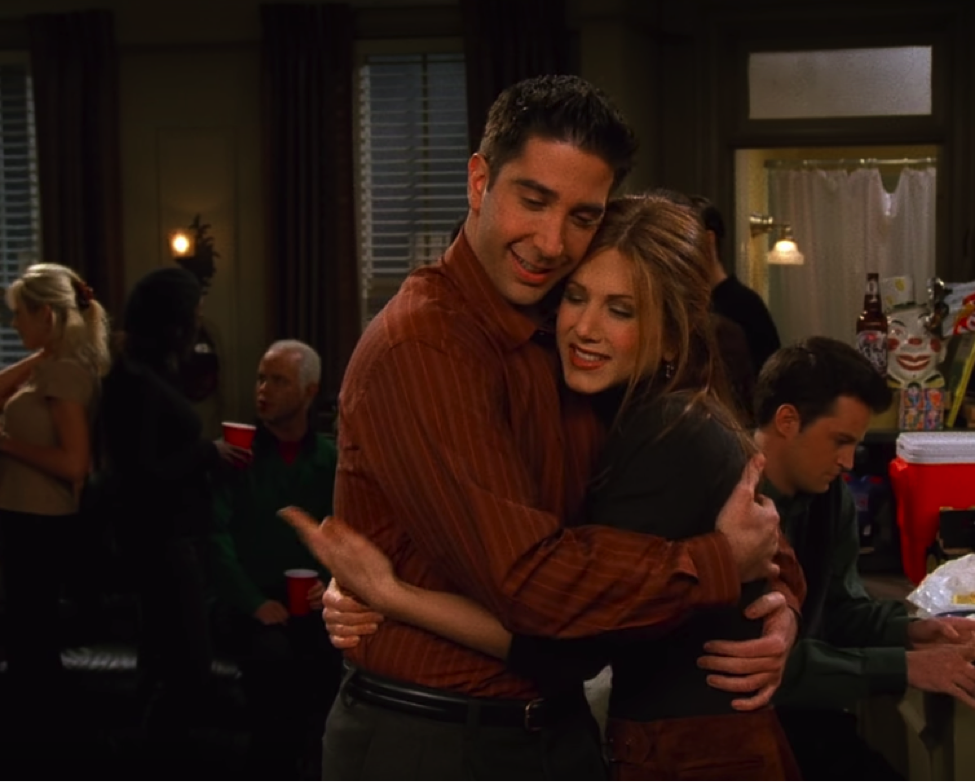 The only good thing here are Ross and Rachel's complementary outfits. / NBC Universal / Handbag Marinara': A Friends TV Show Podcast / @handbagmarinara