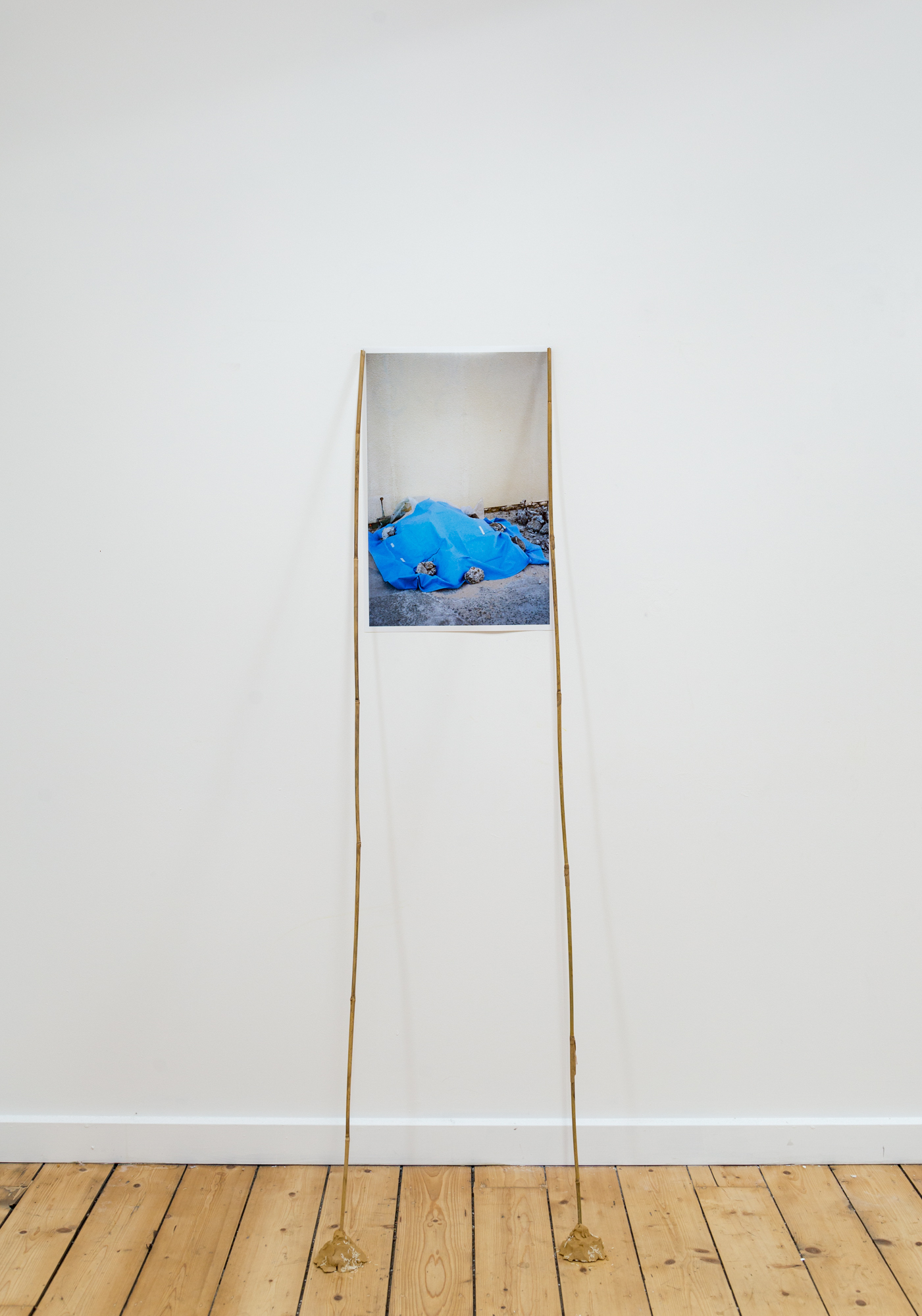 Mashara Wachjudy,  Blanket , 2017 inkjet photographic print, bamboo, earthenware clay, rice photo by André Piguet