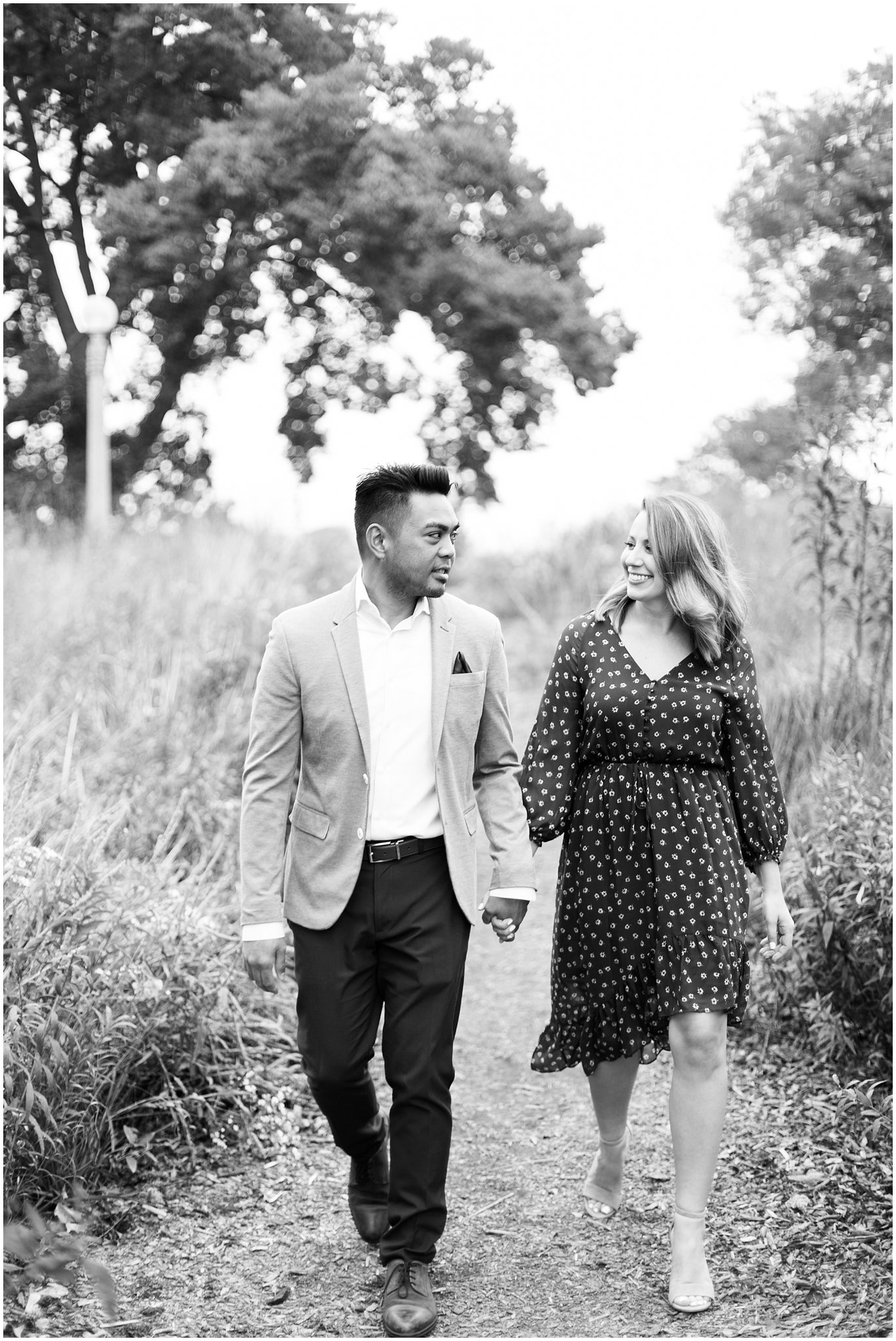 lincoln-park-zoo-engagement-session_0006.jpg