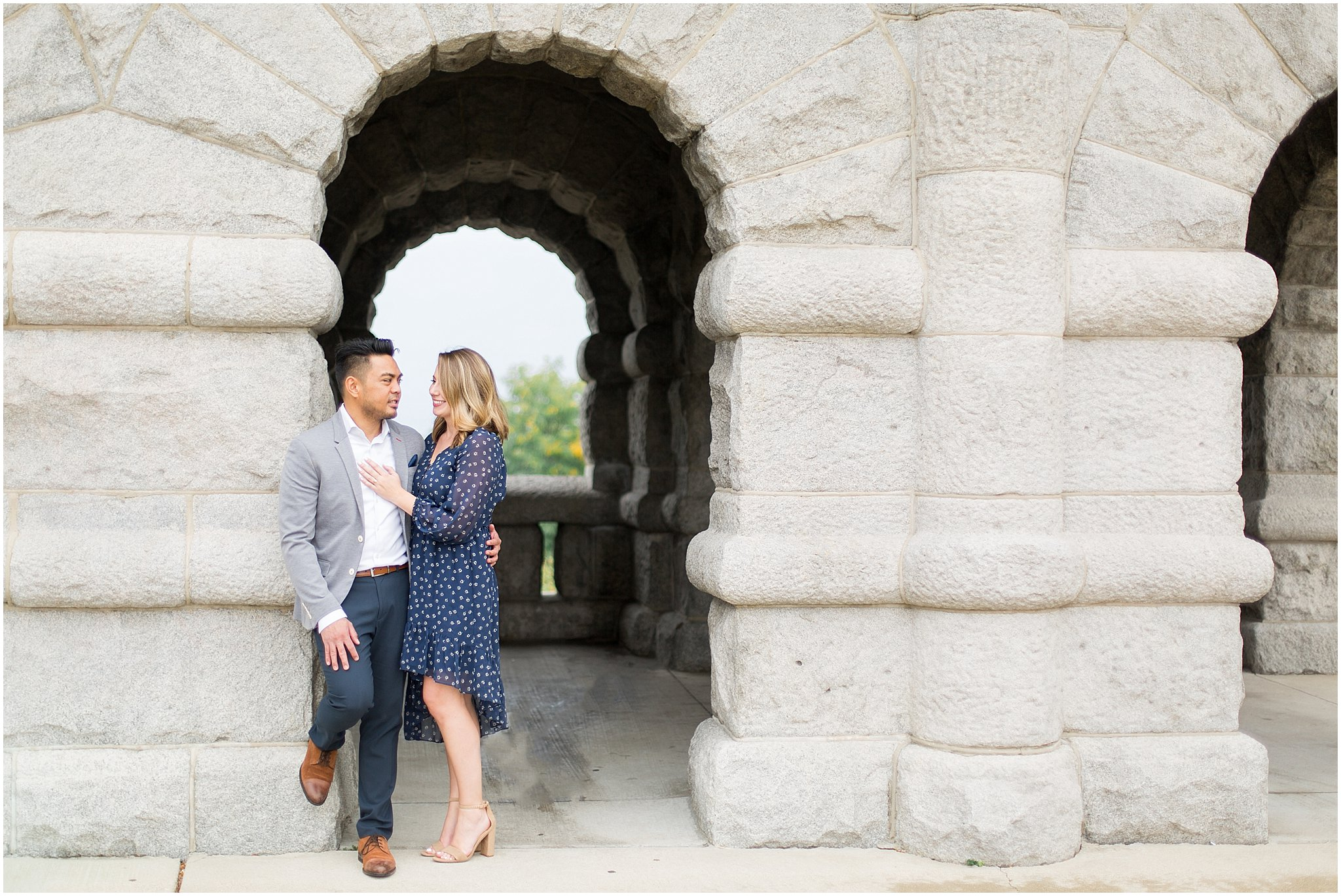 lincoln-park-zoo-engagement-session_0021.jpg