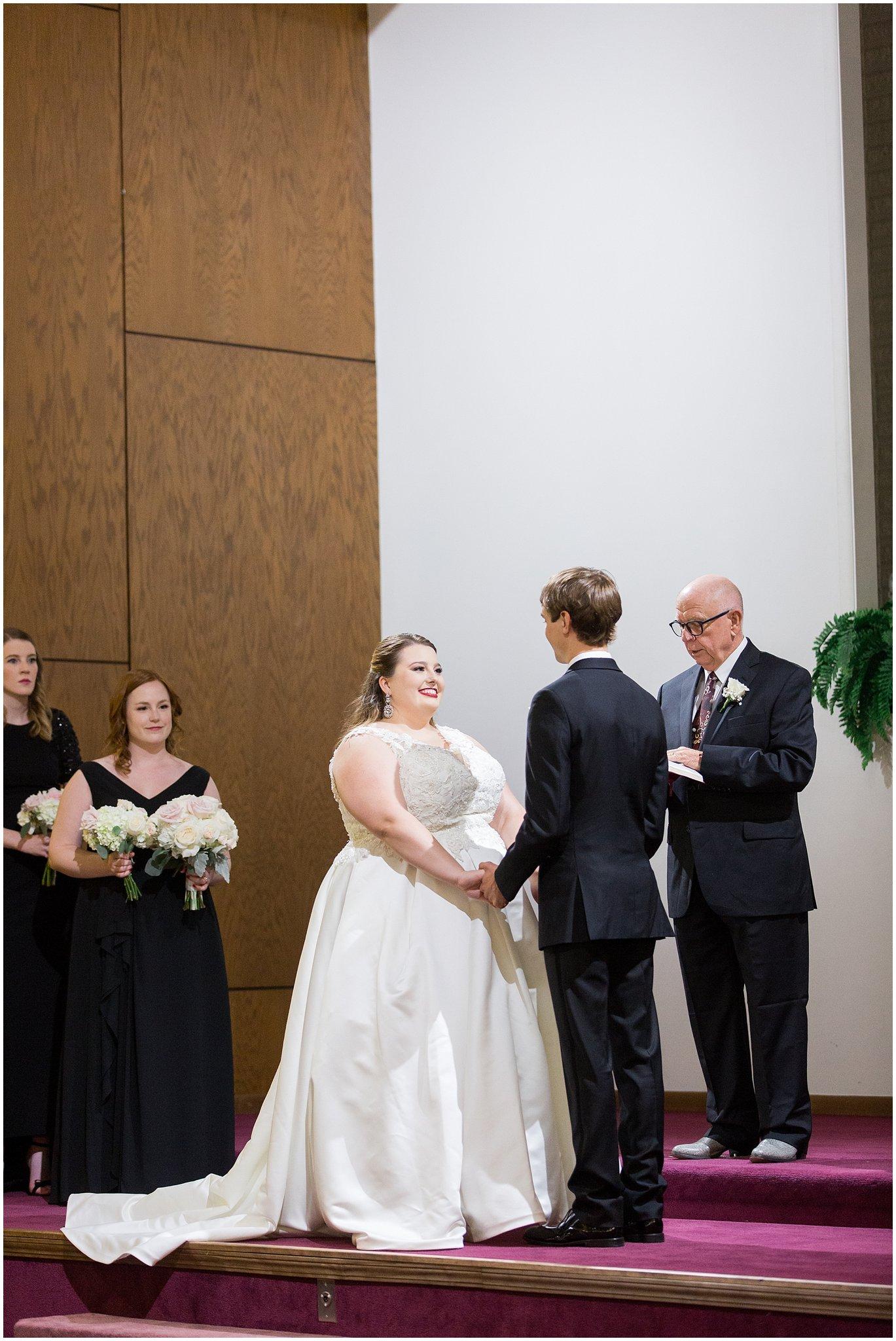 detroit-fairlane-club-fall-wedding_0007.jpg
