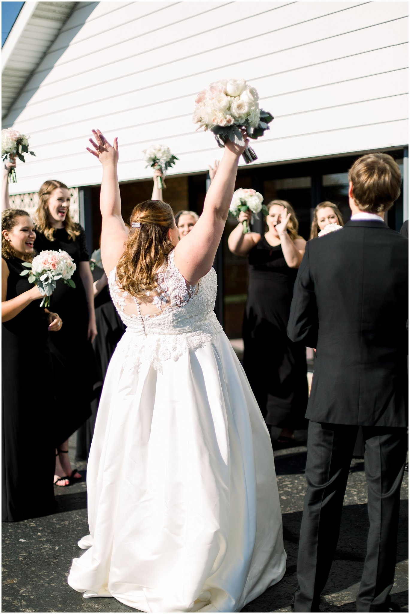 detroit-fairlane-club-fall-wedding_0011.jpg