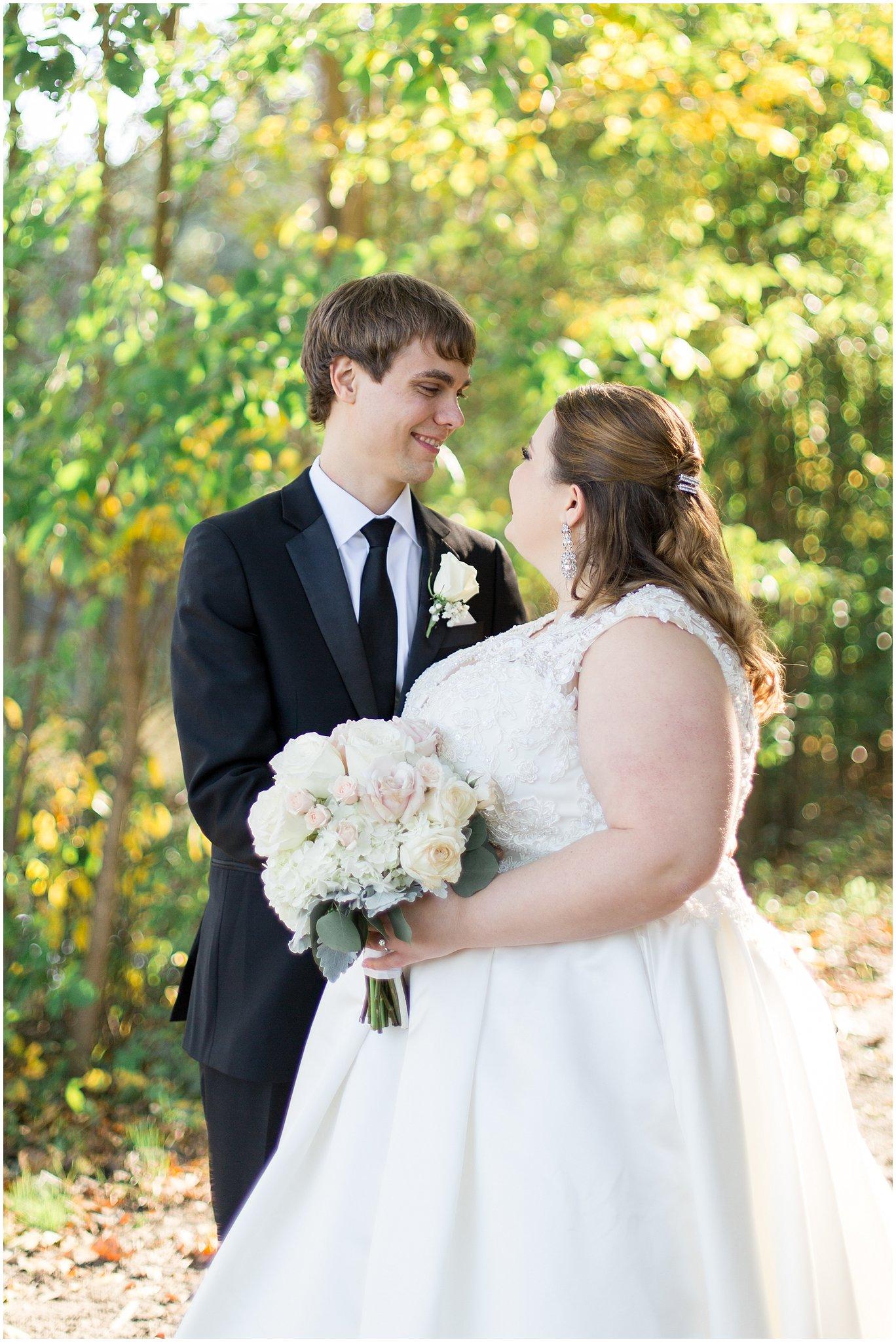 detroit-fairlane-club-fall-wedding_0014.jpg