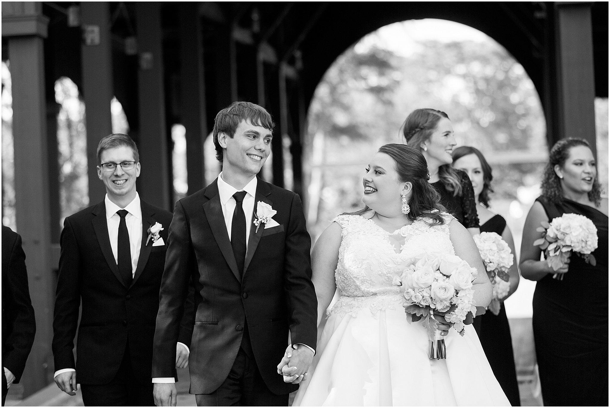 detroit-fairlane-club-fall-wedding_0026.jpg