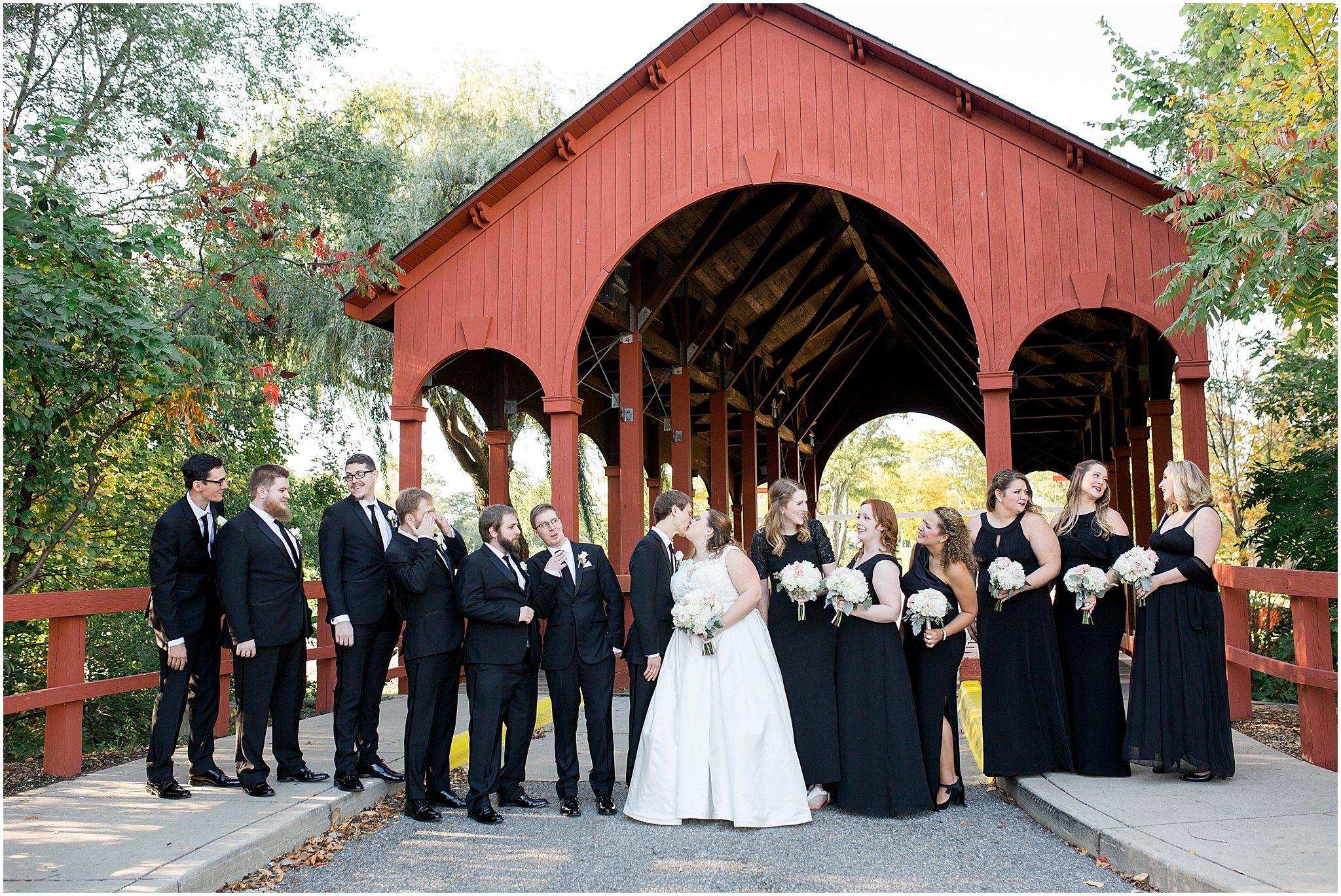 detroit-fairlane-club-fall-wedding_0025.jpg
