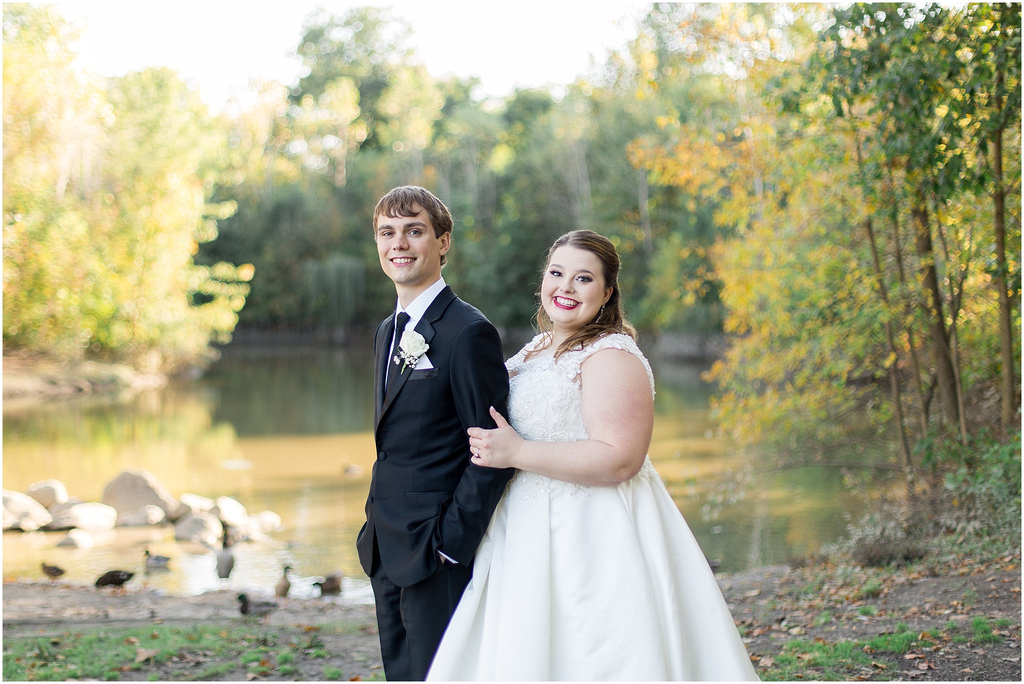 detroit-fairlane-club-fall-wedding_0032.jpg