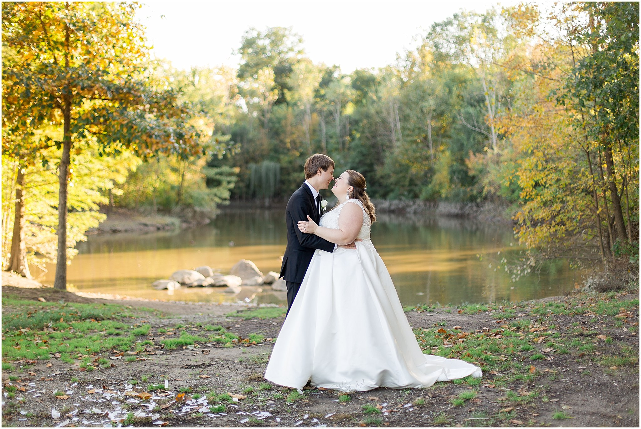 detroit-fairlane-club-fall-wedding_0037.jpg