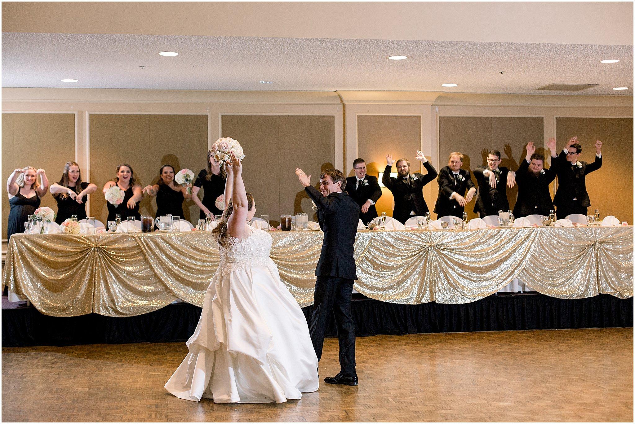 detroit-fairlane-club-fall-wedding_0043.jpg