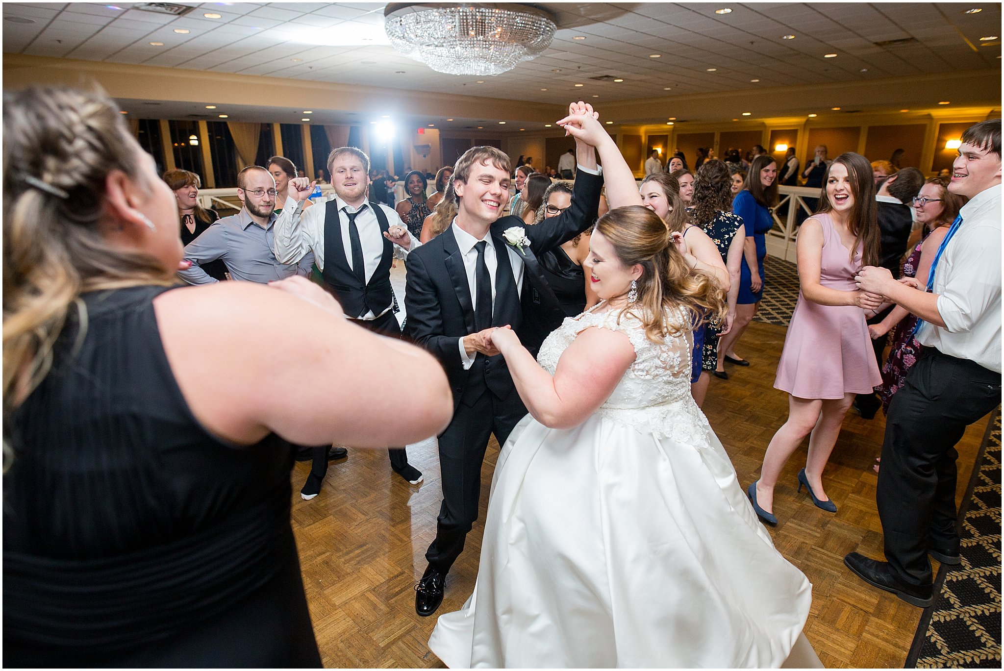 detroit-fairlane-club-fall-wedding_0050.jpg