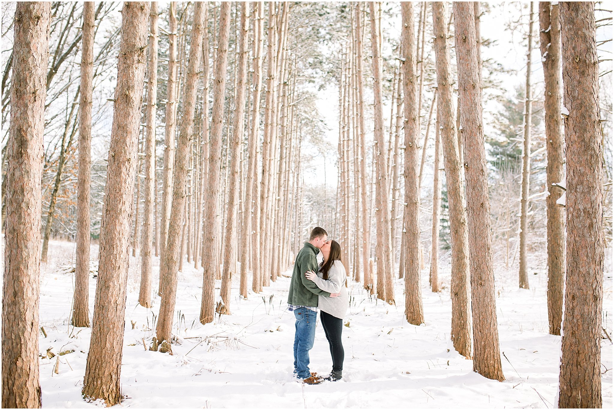 winter-downtown-engagement-session_0032.jpg