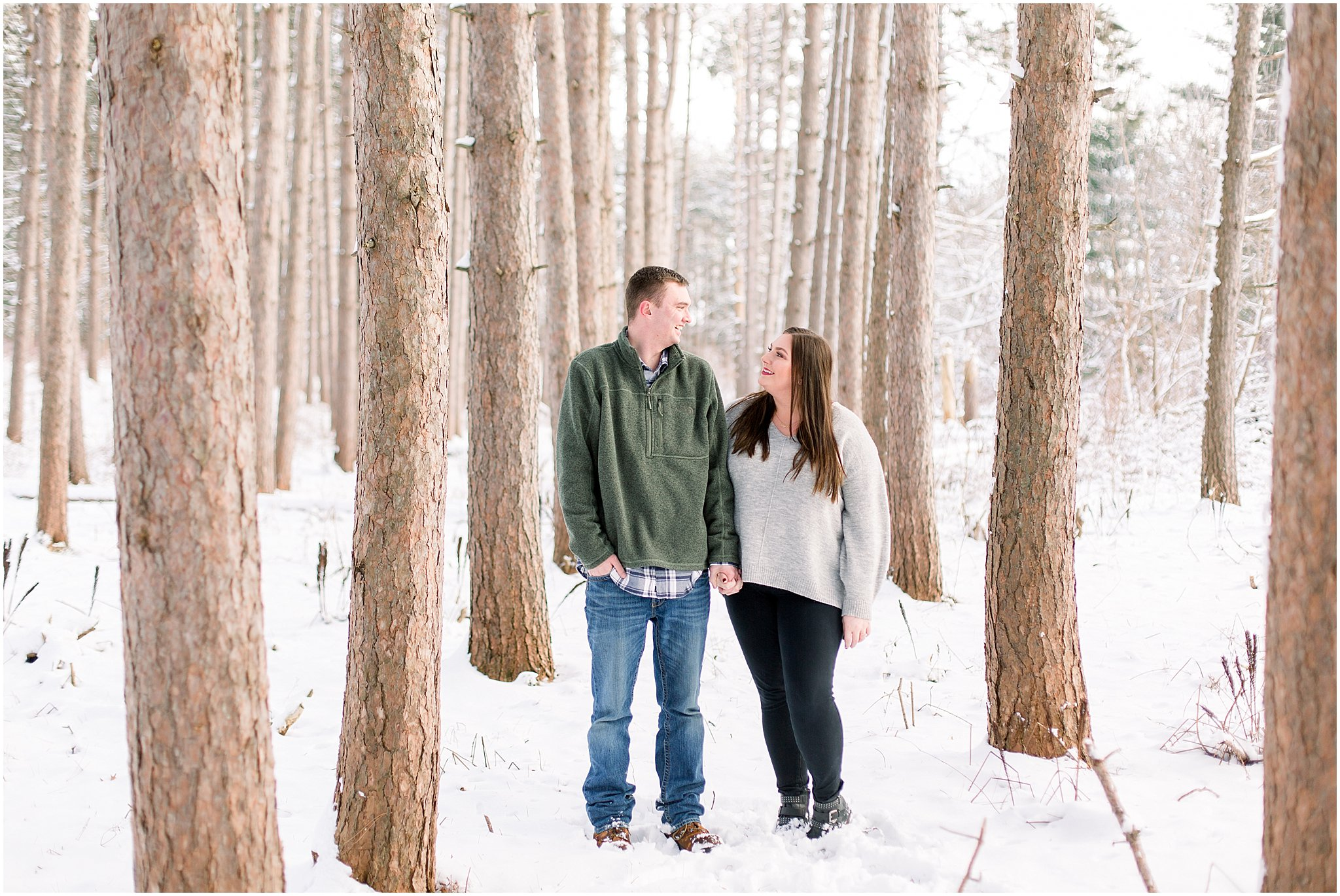 winter-downtown-engagement-session_0038.jpg