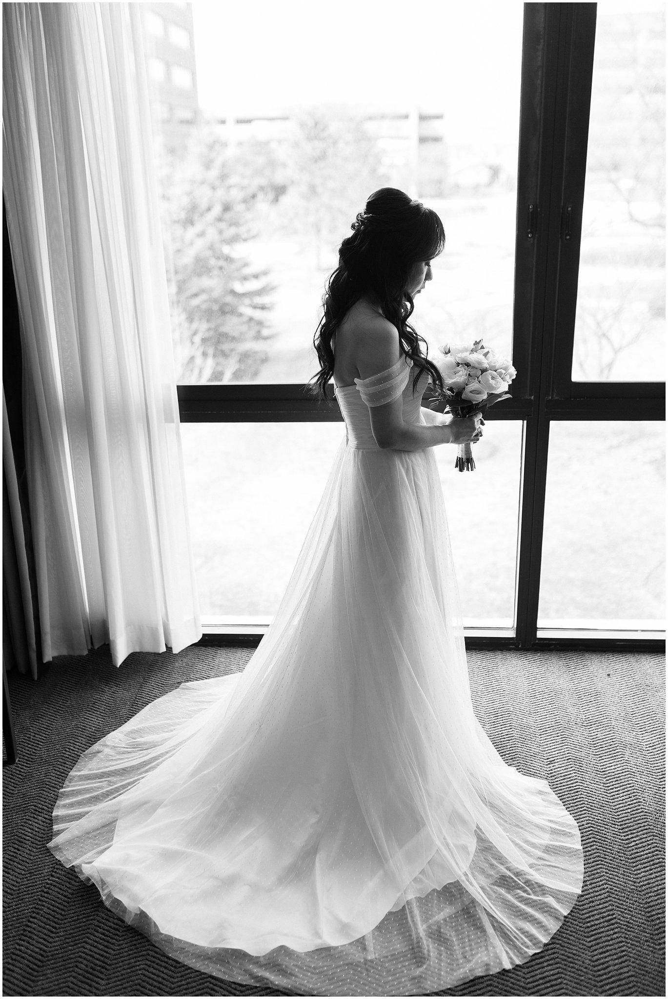 metropolis-ballroom-spring-wedding-photo_0008.jpg
