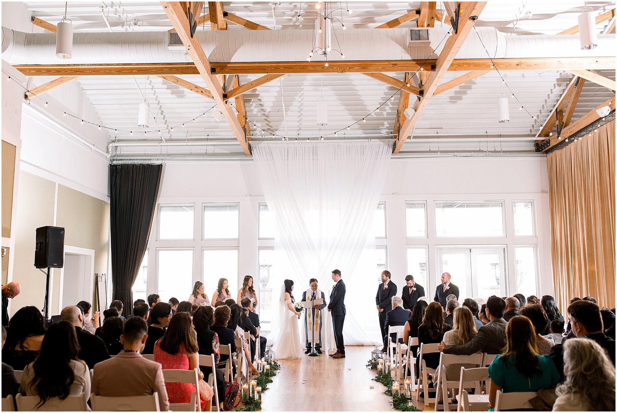 metropolis-ballroom-spring-wedding-photo_0057.jpg