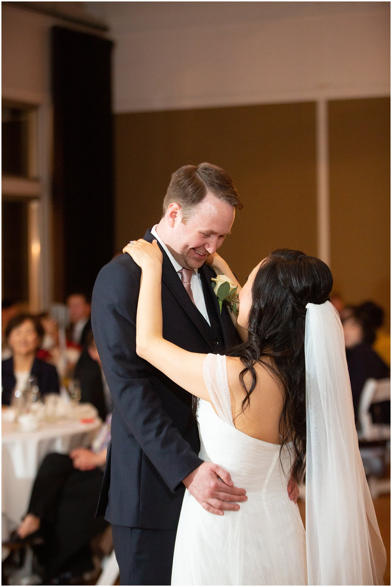 metropolis-ballroom-spring-wedding-photo_0069.jpg