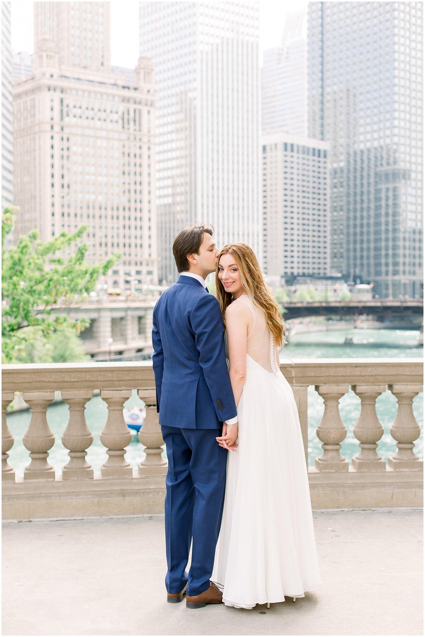elite-chicago-yacht-wedding_0021.jpg