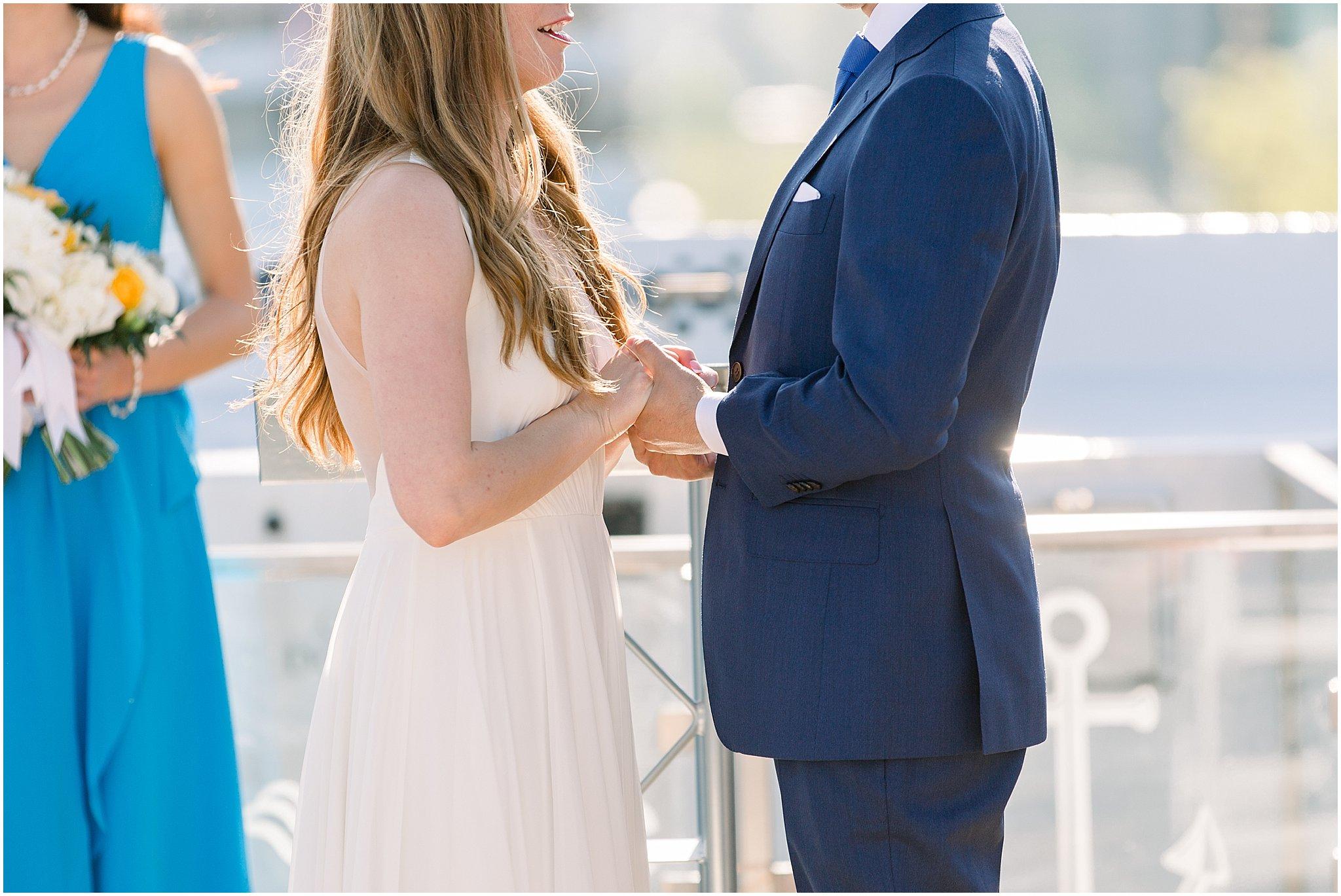 elite-chicago-yacht-wedding_0034.jpg