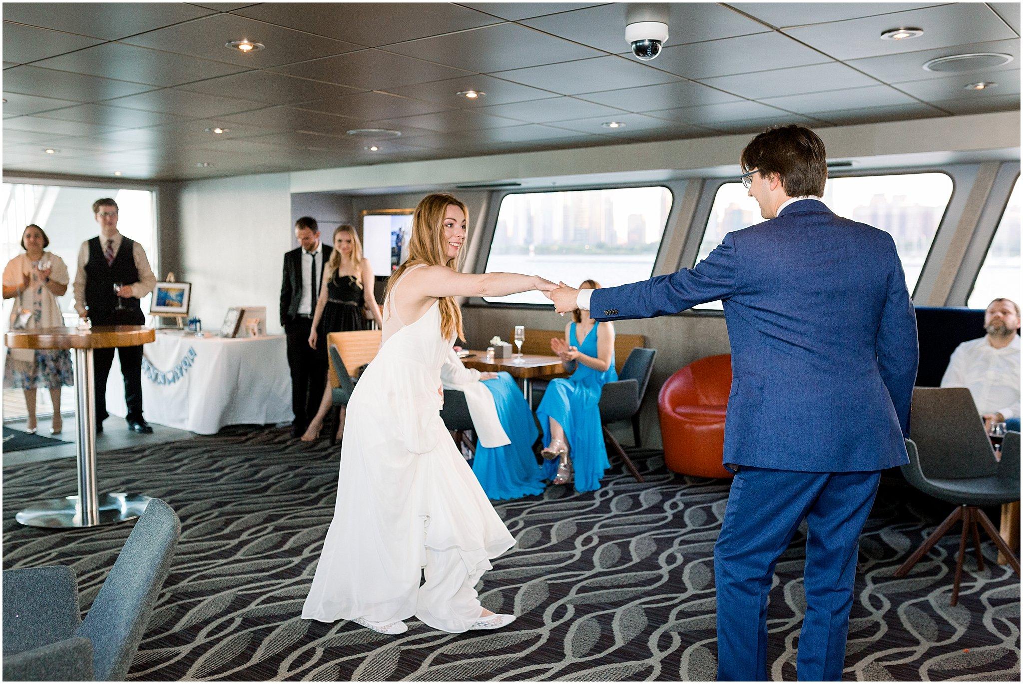 elite-chicago-yacht-wedding_0041.jpg