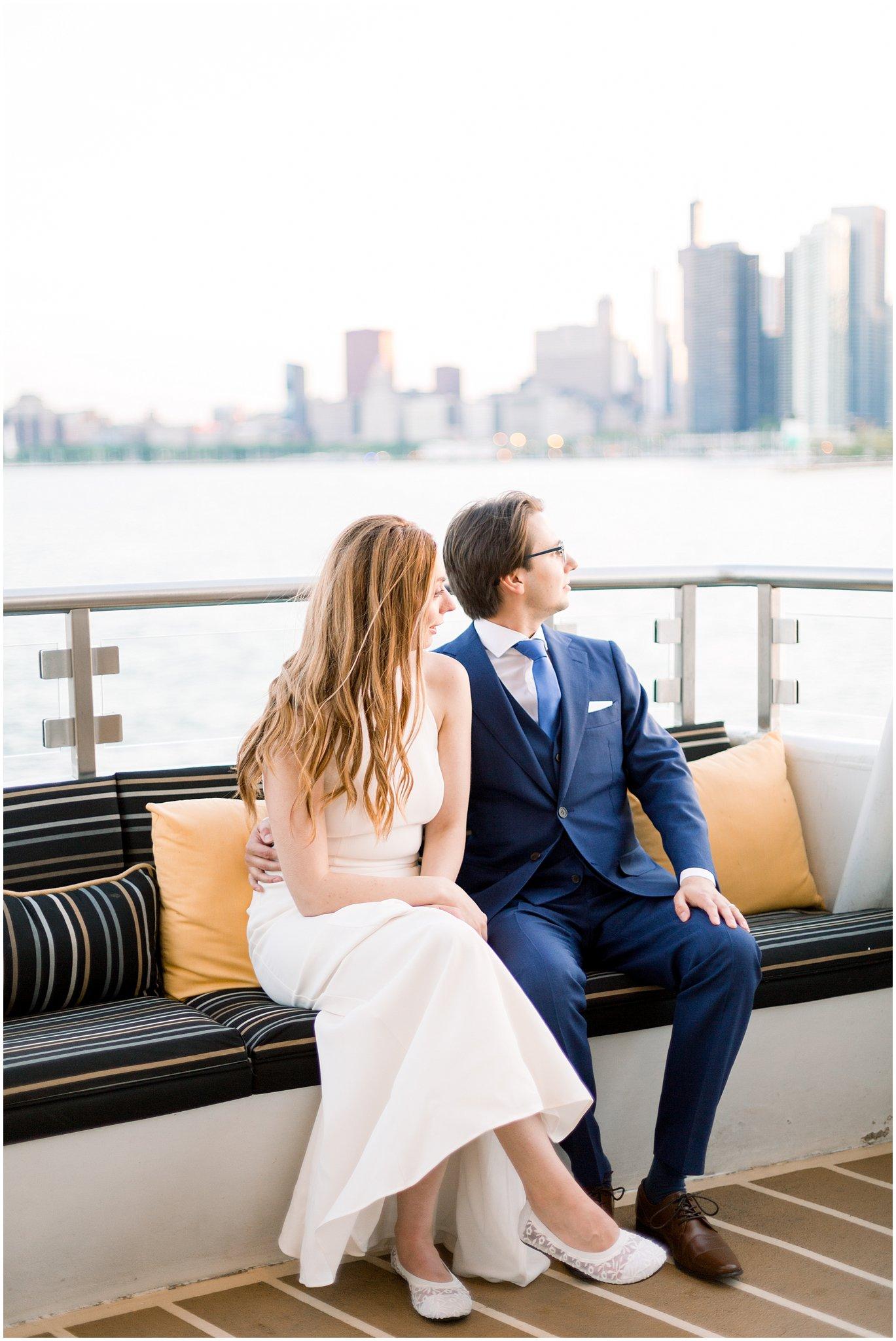 elite-chicago-yacht-wedding_0045.jpg