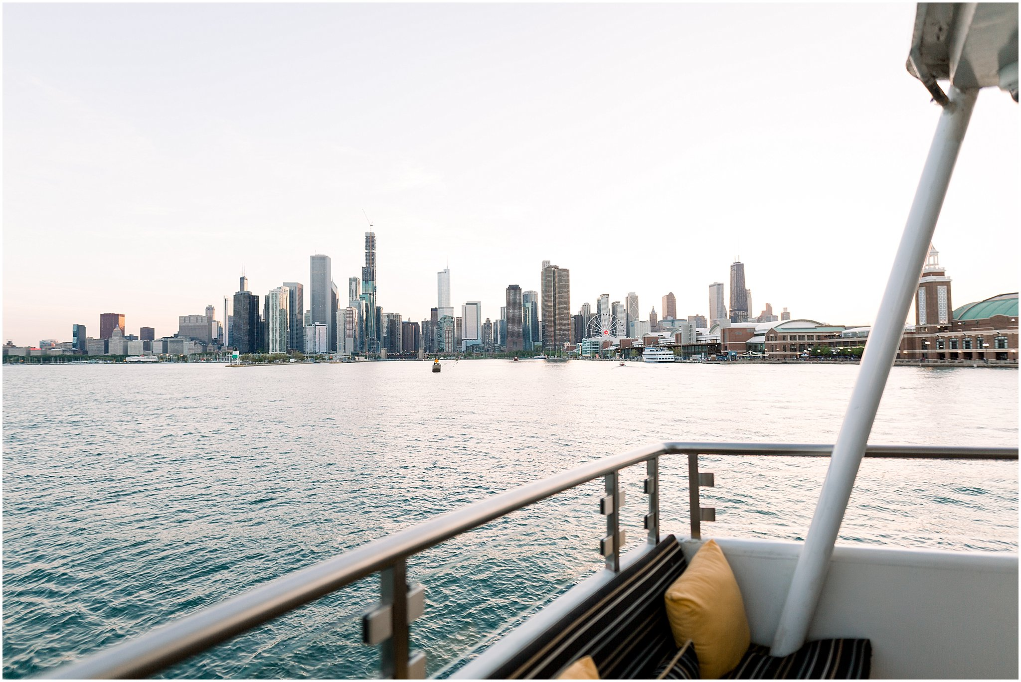 elite-chicago-yacht-wedding_0046.jpg