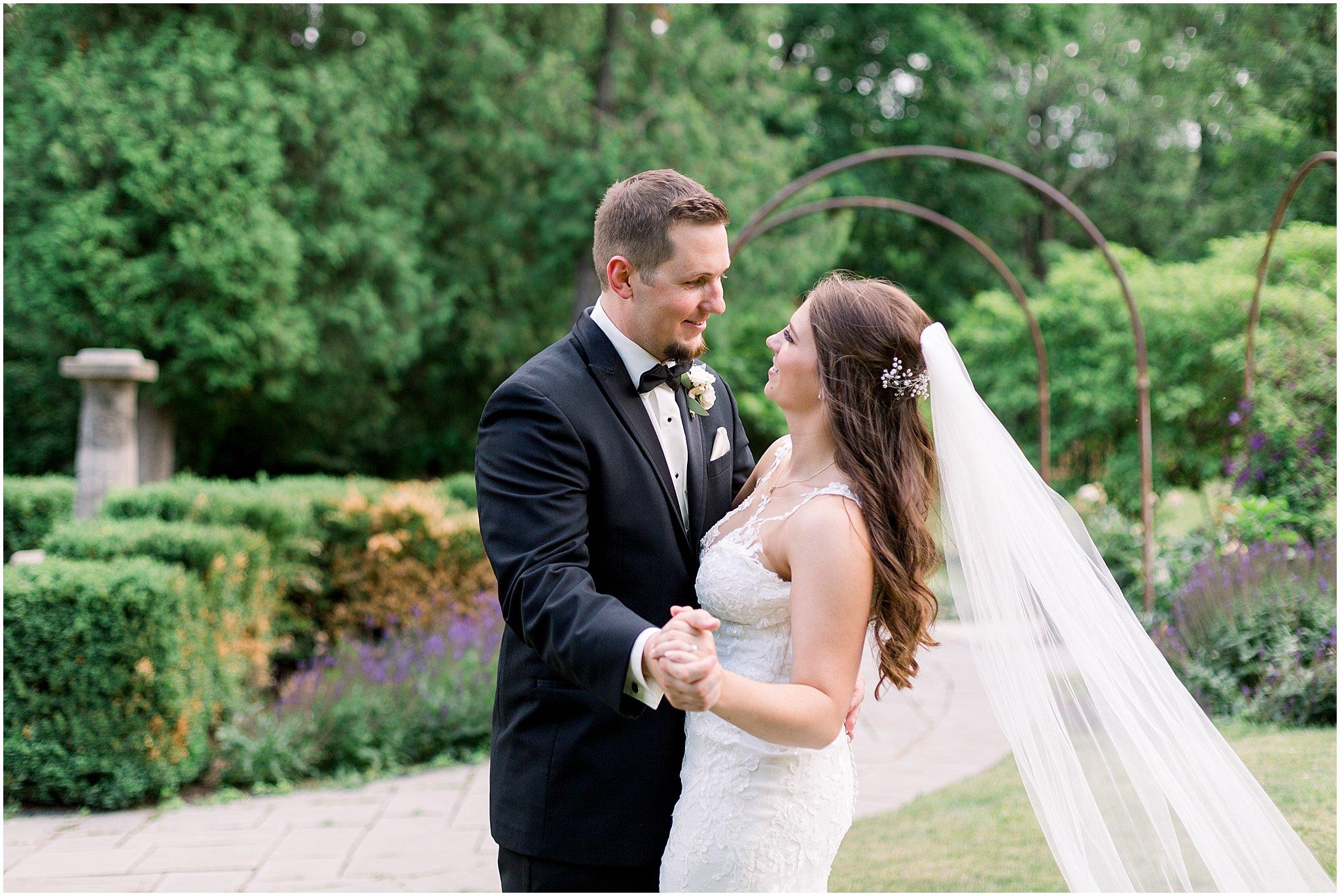 company-251-summer-chicago-wedding-photos_0050.jpg