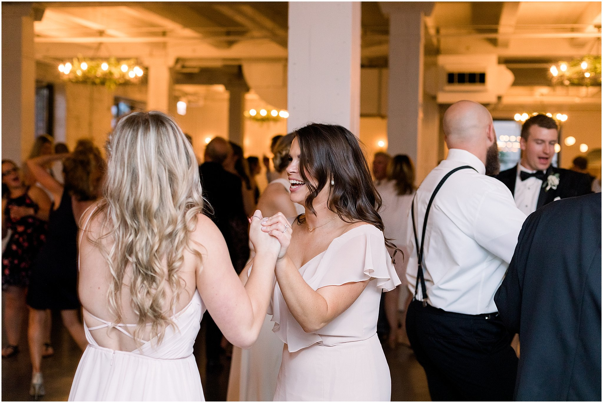 company-251-summer-chicago-wedding-photos_0080.jpg