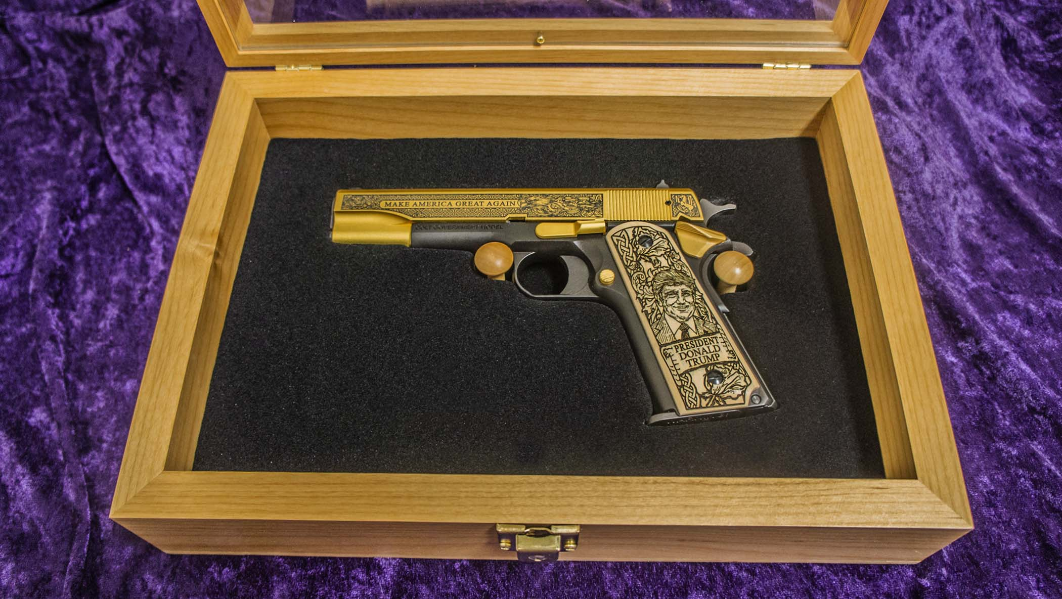 Alder Wood Display Box