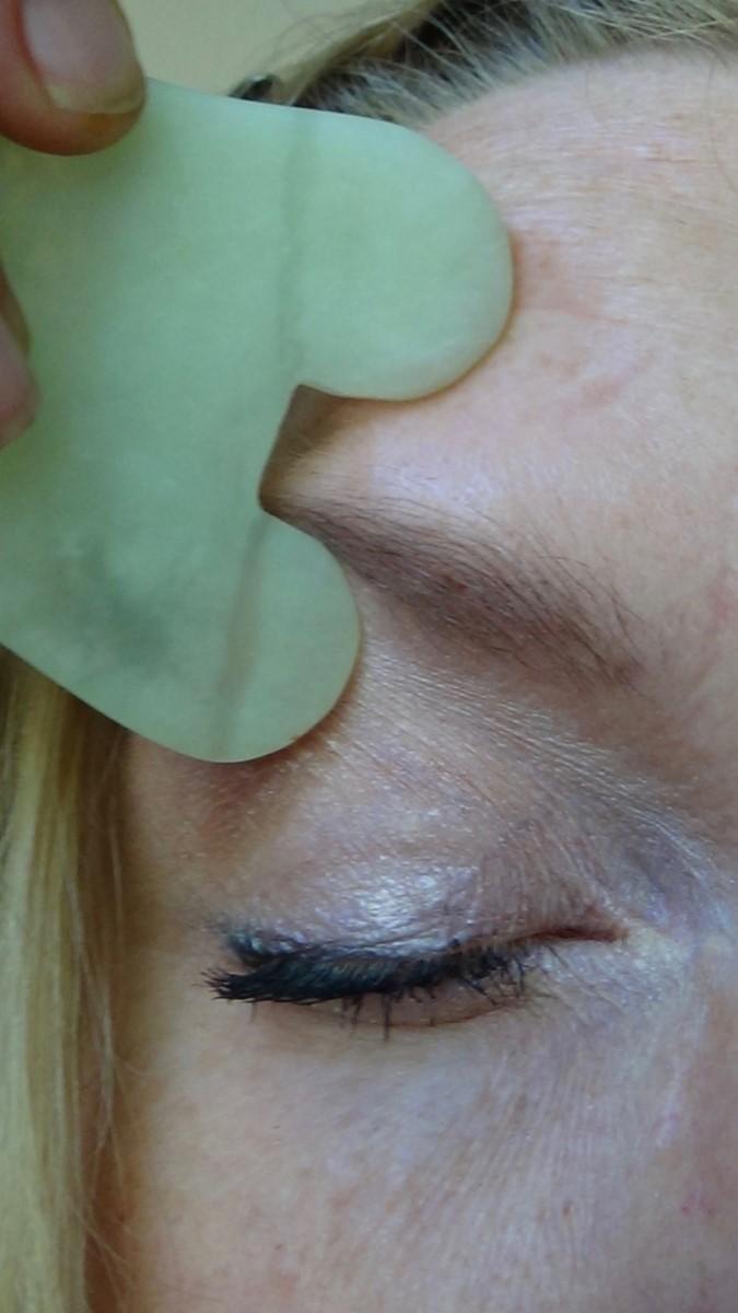 guasha eyebrow.jpg