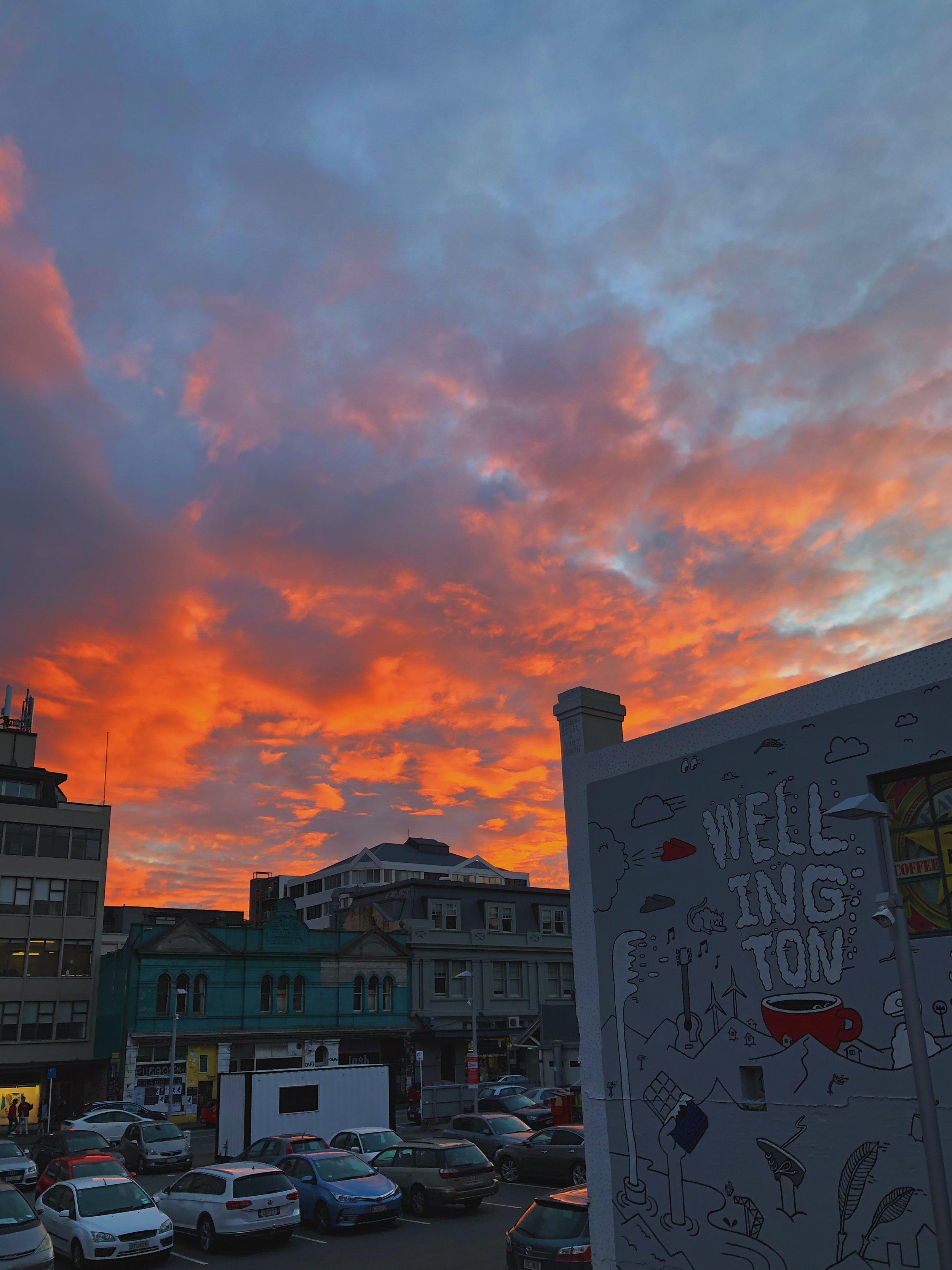 Un coucher de soleil depuis l'une des terrasses de Fortune Favours