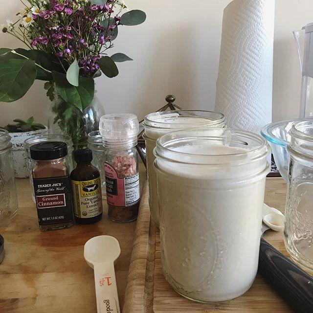 Making homemade cashew milk is so fun and easy! I love using it in my coffee in the morning, creates a nice creamy taste. ⠀ .⠀ .⠀ .⠀ .⠀ .⠀ #cashewmilk #nutmilk #vegan #homemadenutmilk