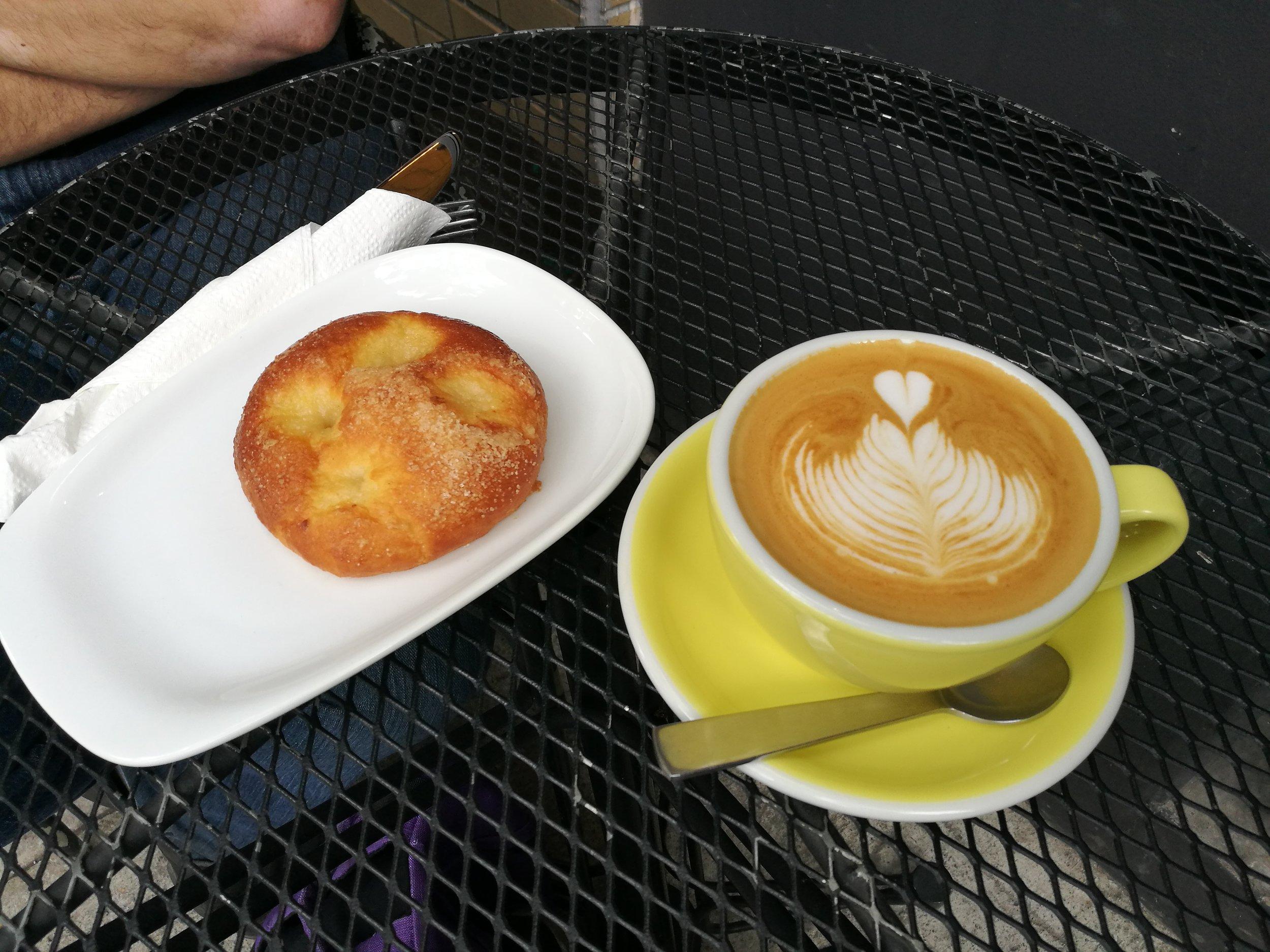 Qūentin Café