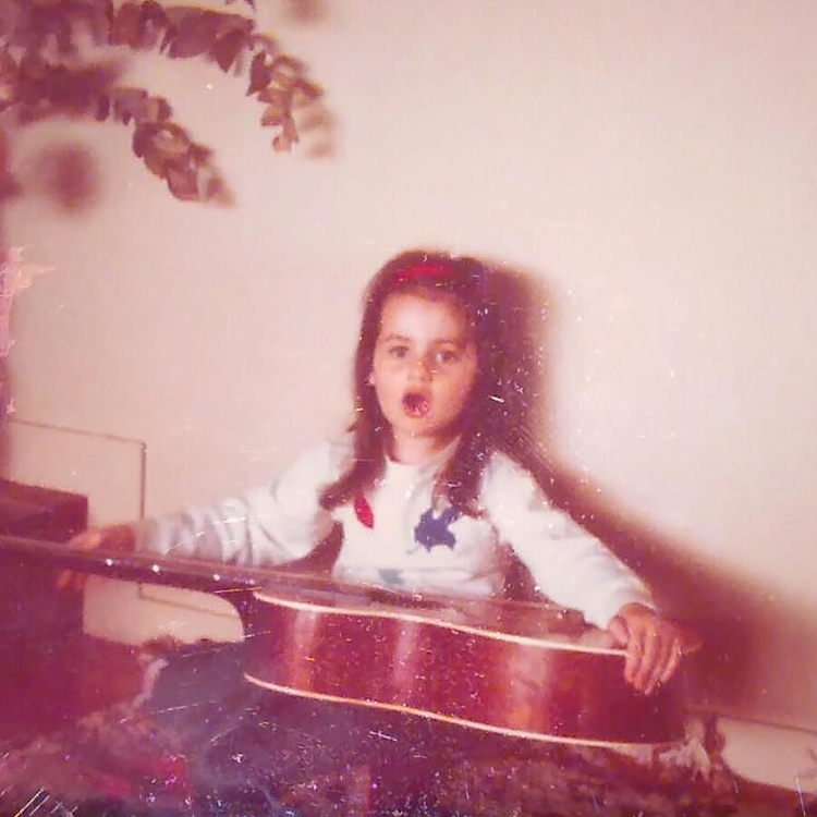 Melissa-age-5-with-guitar-_n.jpeg