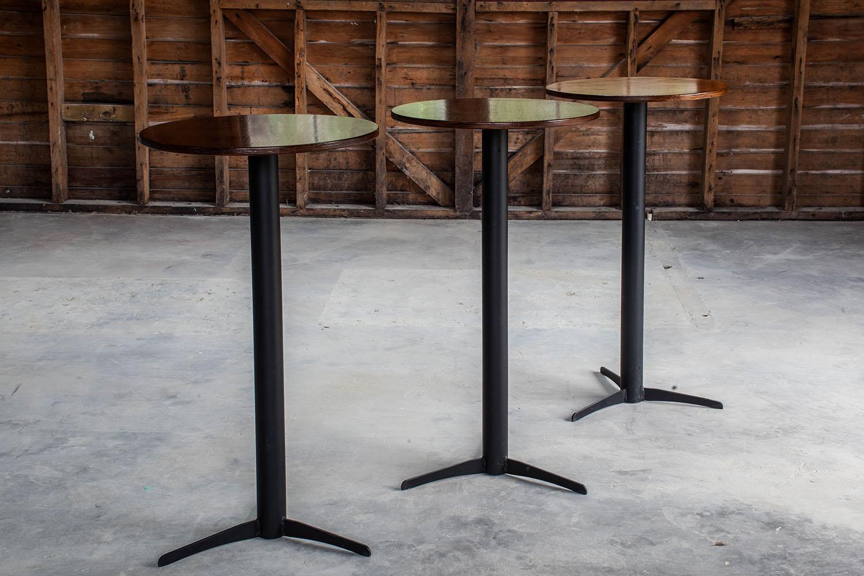 Bar-Leaner-hire
