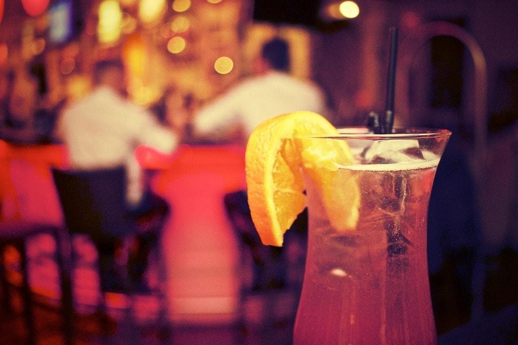 Cocktail   © StockSnap/Pixabay