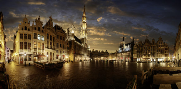Brussels nightlife: the square at night