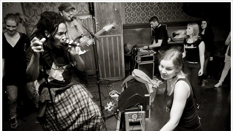Sonora Milagrosa playing live at Kaffee Burger | © Montecruz Foto/ Flickr