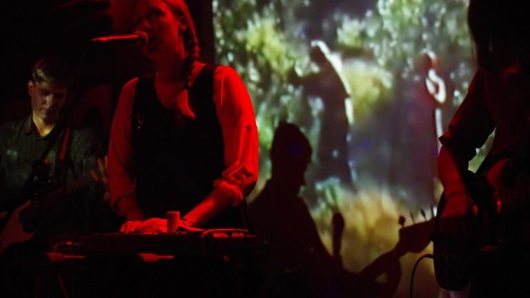 Burning Hearts playing live at Bang Bang Club | © Alexander / Flickr