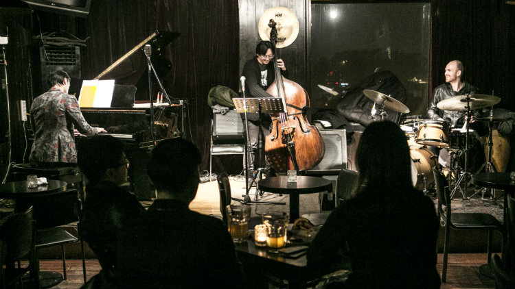Whether or not you're feeling bluesy, these bars offer up some of the the best live jazz in Beijing.