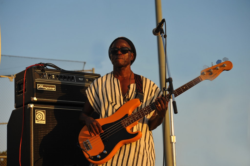 Bass guitarist | © Chris Hunkeler/Flickr